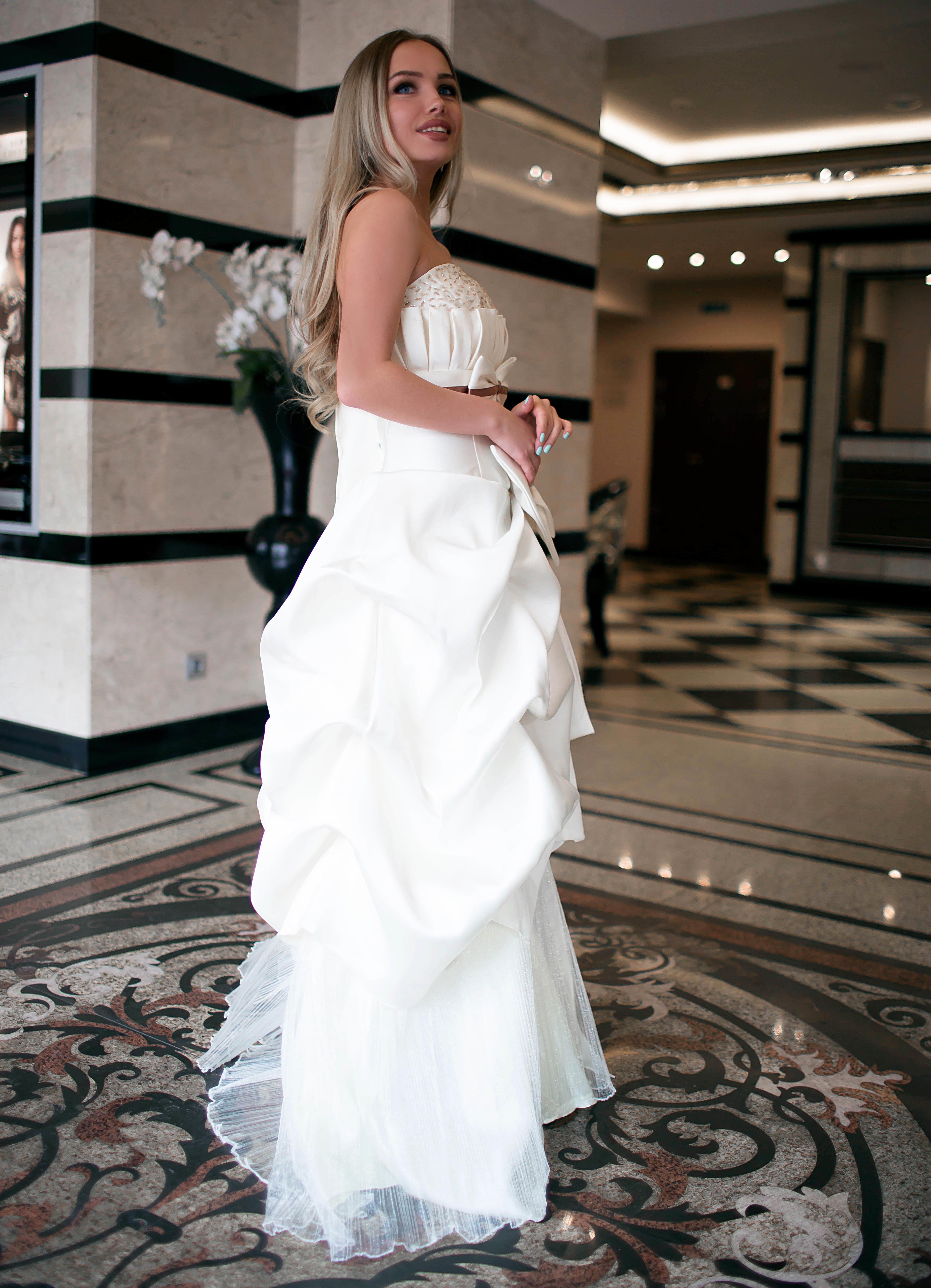 Свадебное платье Крем-Волан 1