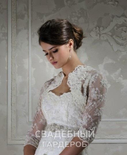 Фотография Топ 5 популярных образов со свадебными накидками или шубами