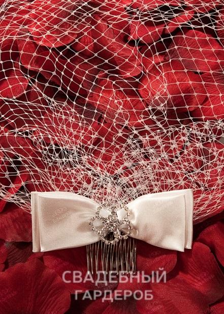 Выбираем лучший свадебный головной убор на торжество