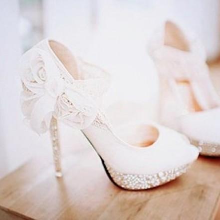 Свадебная обувь: рекомендации по выбору