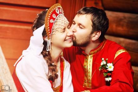 Фотография На горах покататься, в блинах поваляться – свадьба в стиле масленицы