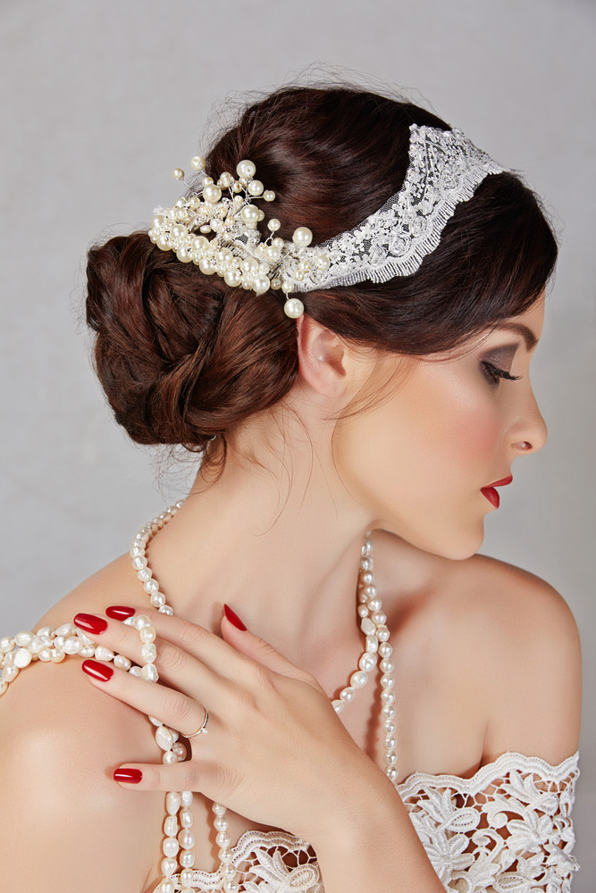Украшения к свадебным платьям