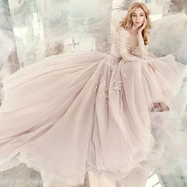 Почему пышные свадебные платья никогда не выйдут из моды?