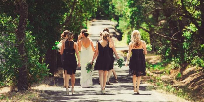 Фотография подружек на свадьбу