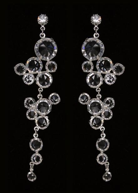 Длинные серьги с кристаллами
