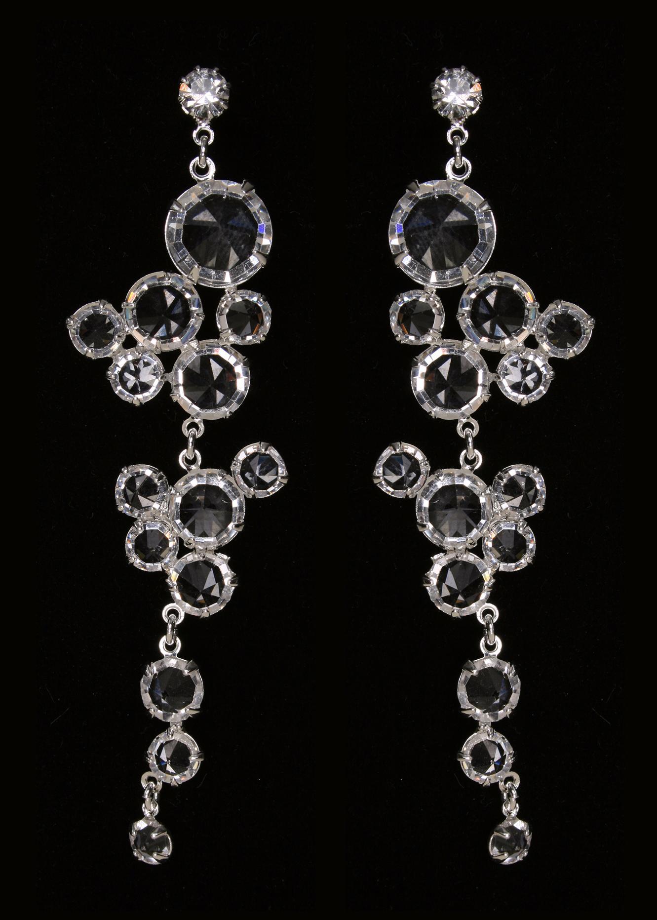 Фотография Длинные серьги с кристаллами