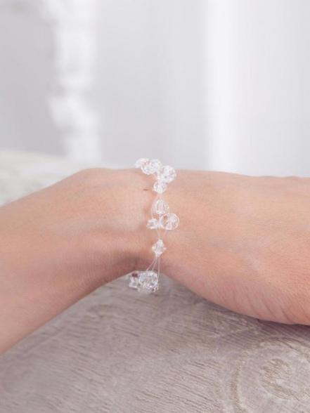Нежный браслет с кристаллами