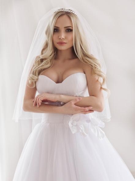 Фотография Диадема свадебная со стразами