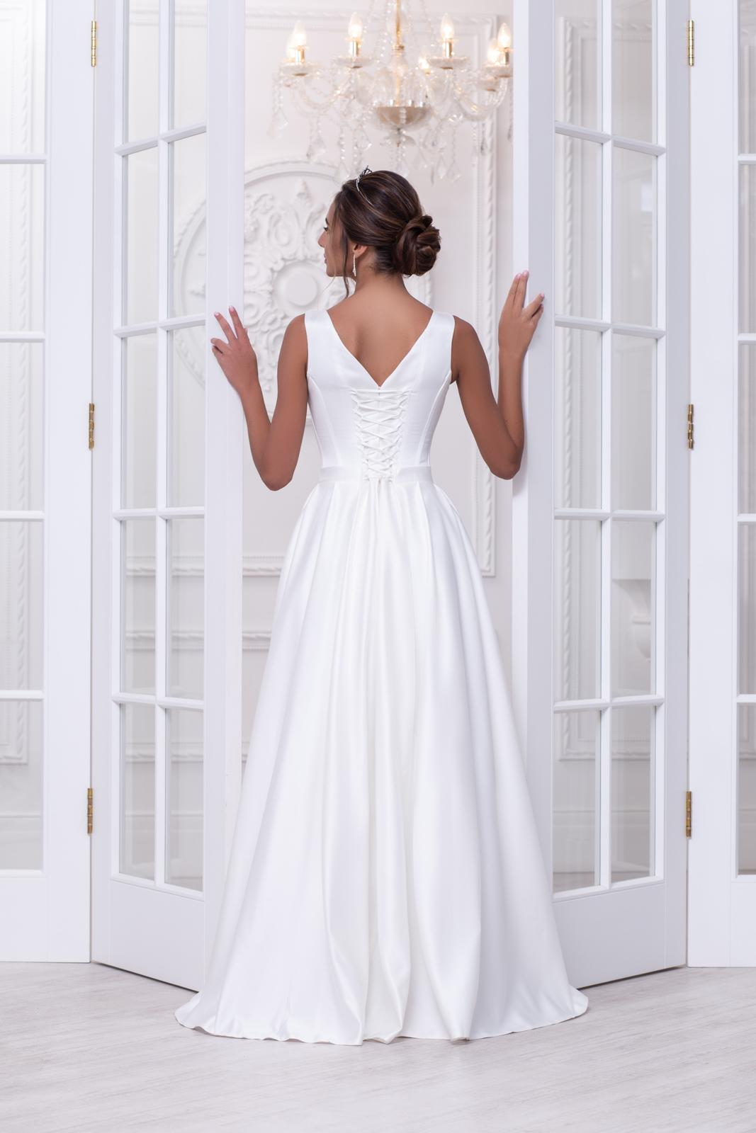 Свадебное платье Нина атлас складки 3